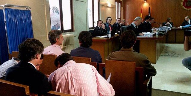 Hermanos Ruiz Mateos En El Juzgado