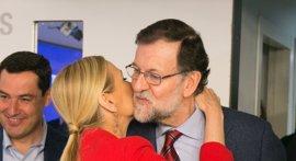 """Cifuentes cuenta con """"todo el apoyo"""" de Rajoy y dice que se equivocan quienes piensen que va a dar """"un paso atrás"""""""