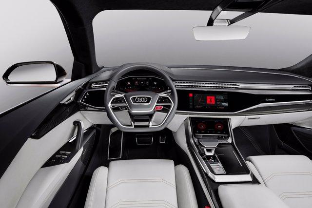Audi Q8, interior del coche