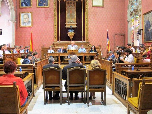 Miquel Ensenyat durante el Debate de Política General del Consell