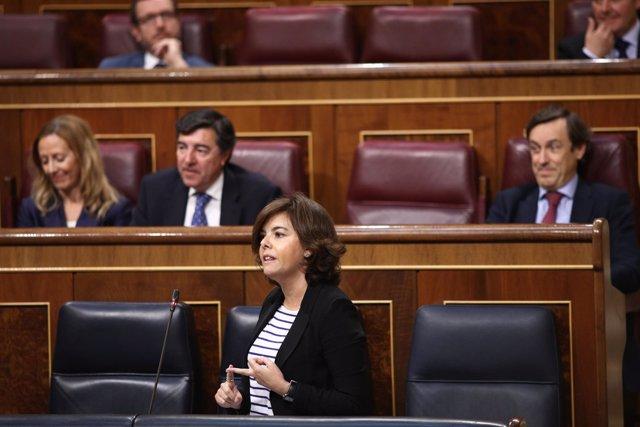 Soraya Sáenz de Santamaría en la sesión de control en el Congreso