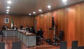 Fiscalía cambia a 20 años de cárcel la petición para la anciana acusada de matar a su marido con una muleta