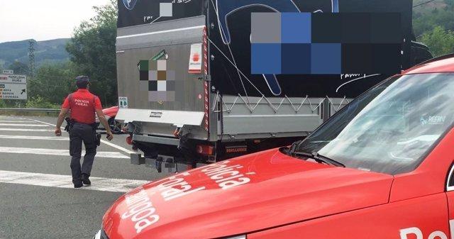 Camión inmovilizado en Bera