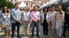 Un millar de estudiantes expone su creatividad en la Feria de Emprendimiento en Andújar (Jaén)