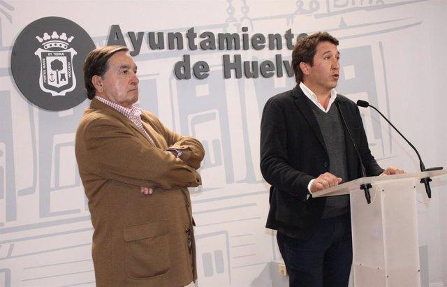 Ruperto Gallardo, ante los medios de comunicación.