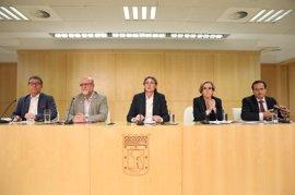 Gobierno, PSOE, sindicatos y patronal acuerdan un Plan de Empleo municipal 2017-2019 de 800 millones para 62 acciones