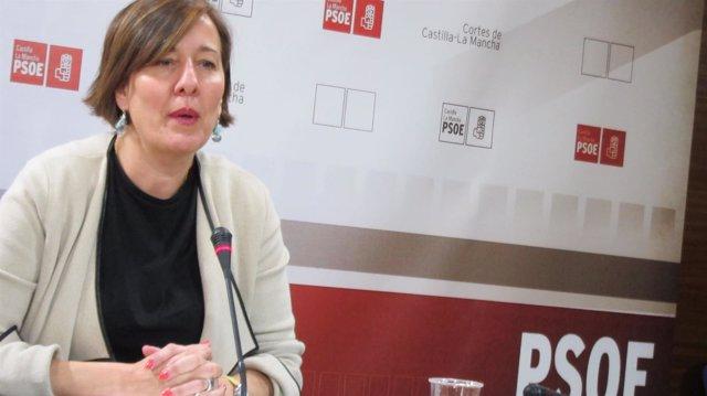 La portavoz del PSOE en rueda de prensa