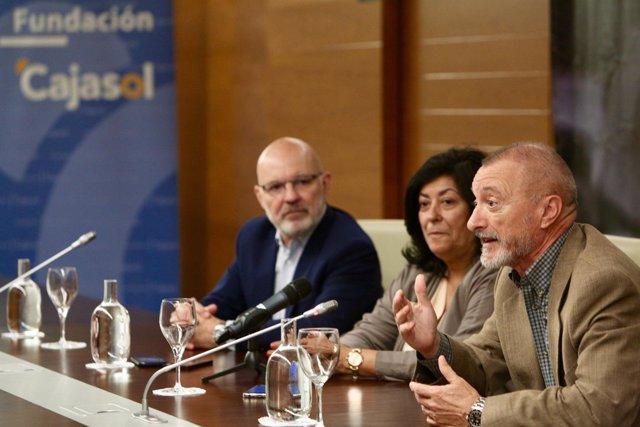 Almudena Grandes cierra el ciclo 'Letras en Sevilla'