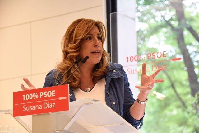 Susana Díaz en un acto con militantes en Vitoria