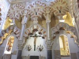 La alcaldesa no ve amenaza para los católicos en la titularidad pública de la Mezquita, como fue hasta 2006