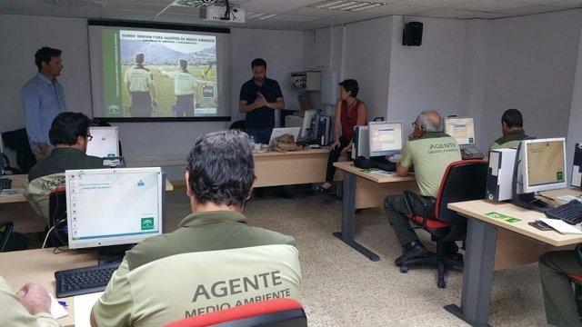 Agentes de Medio Ambiente se forman en sistemas de información geográfica