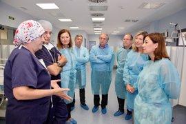 Armengol destaca el papel del Hospital Sant Joan de Déu en la estrategia de atención a la cronicidad