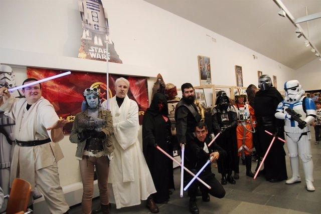 Exposición de 'La gerra de las galaxias' en Tomares