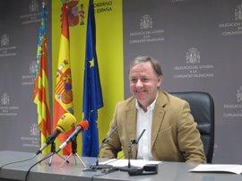 Moragues traslada a los alcaldes de Xàtiva y Alcoi las mejoras que Adif realizará en la línea de tren que las une
