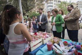 La V Feria del Emprendimiento reúne a 800 estudiantes que exponen sus productos empresariales en Granada