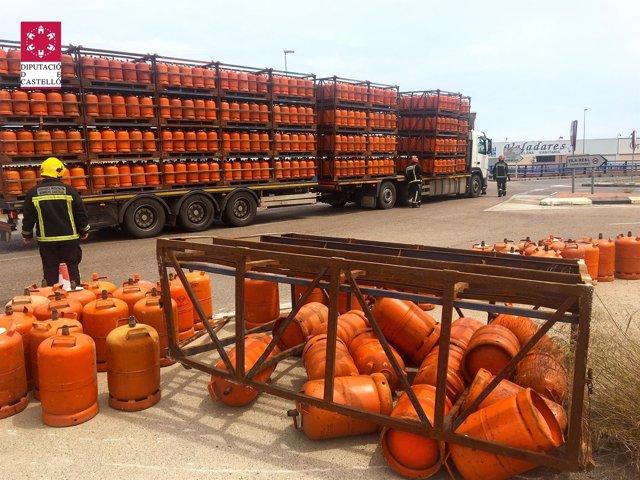 Vuelca un camión que transportaba camiones de butano