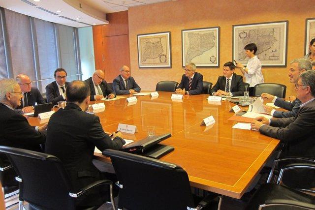 Reunión convocada por la Generalitat sobre colas en el Aeropuerto de Barcelona