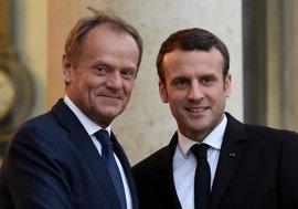 """Tusk apela a la """"energía"""" de Macron para revitalizar la Unión Europea"""