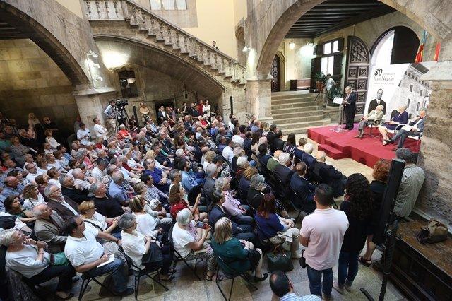 La Generalitat homenajea la figura de Juan Negrín