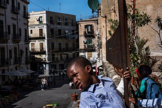 Niños inmigrantes en Italia