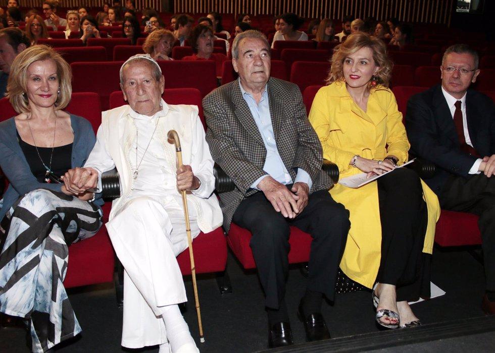 Elio Berhanyer recibe un homenjae por su 89 cumpleaños./ Europa Press