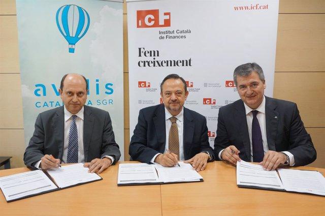 Firma del convenio entre Avalis, Abanca e ICF