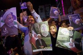 Rohani se juega su reelección en Irán frente al clérigo conservador Raisi