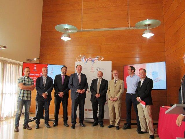 Guillén presenta las actividades del Día de Internet