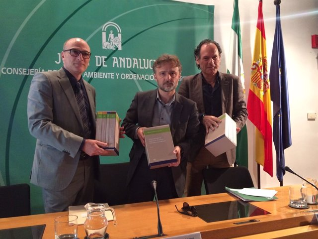 Niota De Medio Ambiente: José Fiscal Presenta Un Manual De Consulta Legal Para P