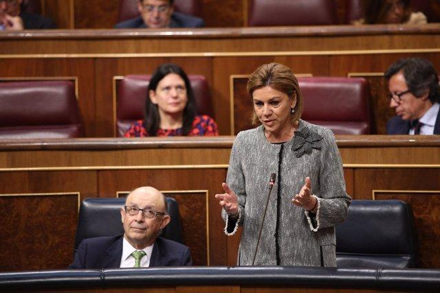 Cospedal y Cristóbal Montoro en la sesión de control al Gobierno en el Congreso