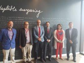 CECA y Cepsa estudian poner en marcha un plan de apoyo al pequeño y mediano comercio andaluz