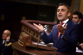 El Congreso desaloja de sus tribunas a los estibadores que protestaban ante la intervención del PP