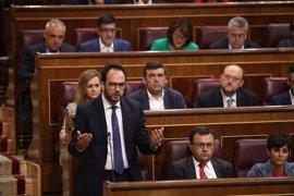 PSOE censura que nadie del Gobierno defienda a la Guardia Civil tras las críticas de Cifuentes a la UCO