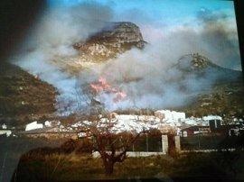 Los bomberos del Consorcio Provincial sofocan una media de nueve fuegos al día