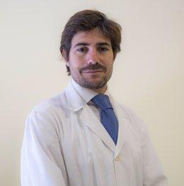 El Dr. Alberto Pérez-Lanzac, experto en cirugía percutánea