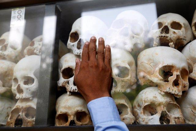 Monumento homenaje a las víctimas de los jemeres rojos