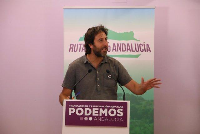 El secretario político de Podemos Andalucía, Jesús Rodríguez, en rueda