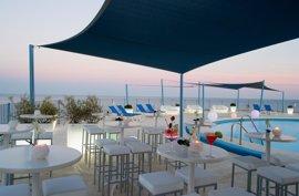 El Grupo Pierre & Vacances reabre tras una renovación integral el hotel El Puerto en Fuengirola