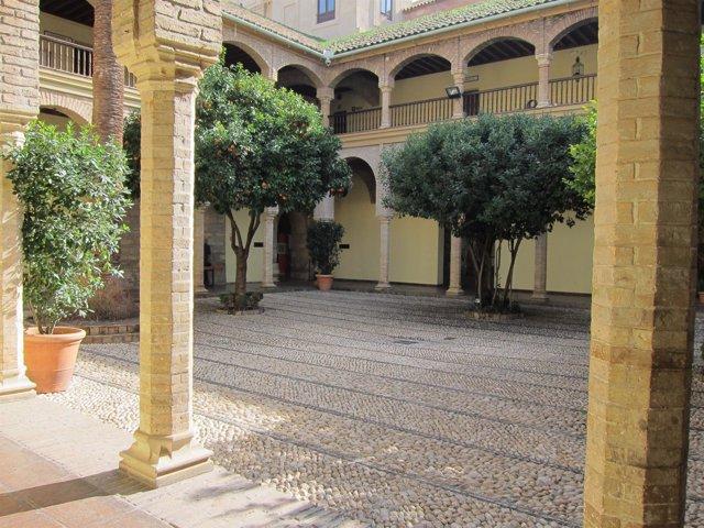 Patio principal del Palacio de Congresos de la calle Torrijos