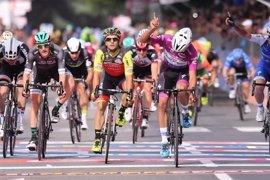 Gaviria suma su 'triplete' en el Giro en Reggio Emilia