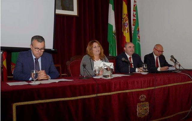 Elena Amaya presenta la jornada de transparencia en Diputación
