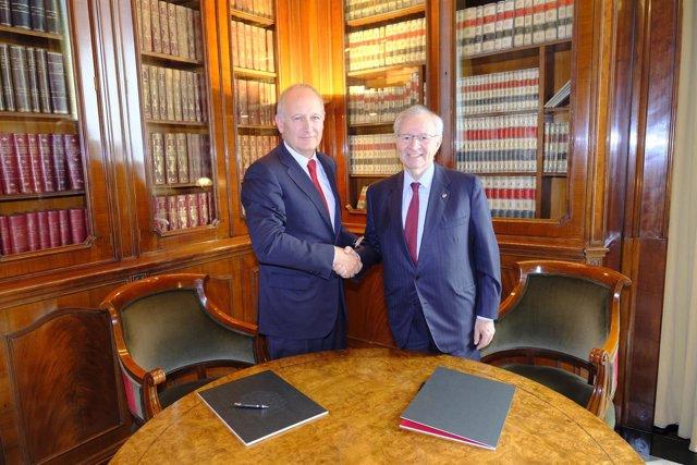 Luis Herrero (Banco Santander) y Miquel Valls (Consejo de Cámaras de Catalunya)