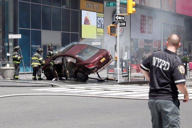 Imagen del coche que ha atropellado a varios peatones en Times Square