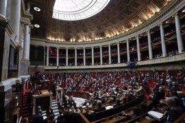 El partido de Macron tiene opciones de hacerse con la mayoría absoluta en las elecciones de junio