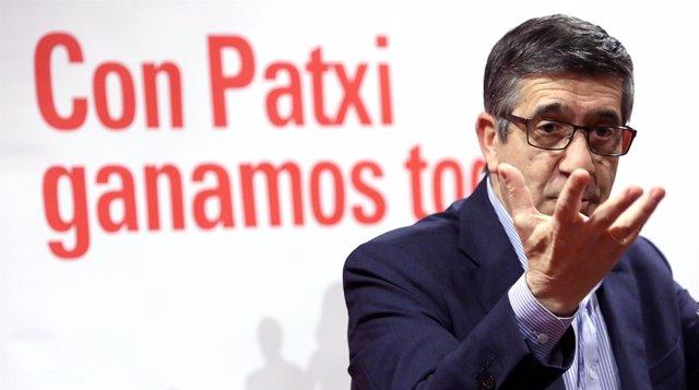 Patxi López, en una rueda de prensa en Sevilla