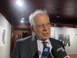 """Borrell confía en que se respete el resultado de las primarias, otra crisis """"no lo va a resistir el PSOE"""""""