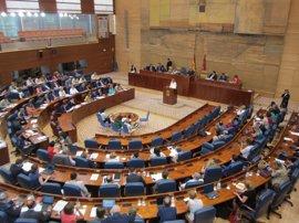 La Asamblea aprueba instar a la Comunidad a sustituir los guardarraíles por sistemas de protección a motoristas homologa