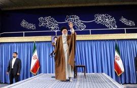 Jamenei, entre los primeros en votar en las presidenciales en Irán tras la apertura de los colegios electorales