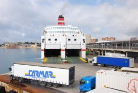 Detenido por encerrarse en la sala de máquinas de un ferry cerca de Palma