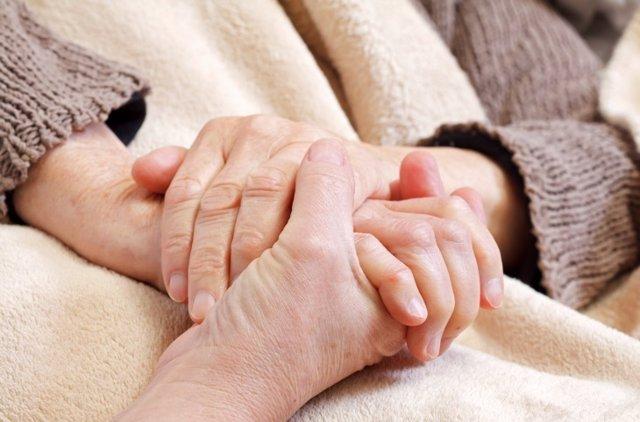 Parkinson, mayores, ancianos, manos